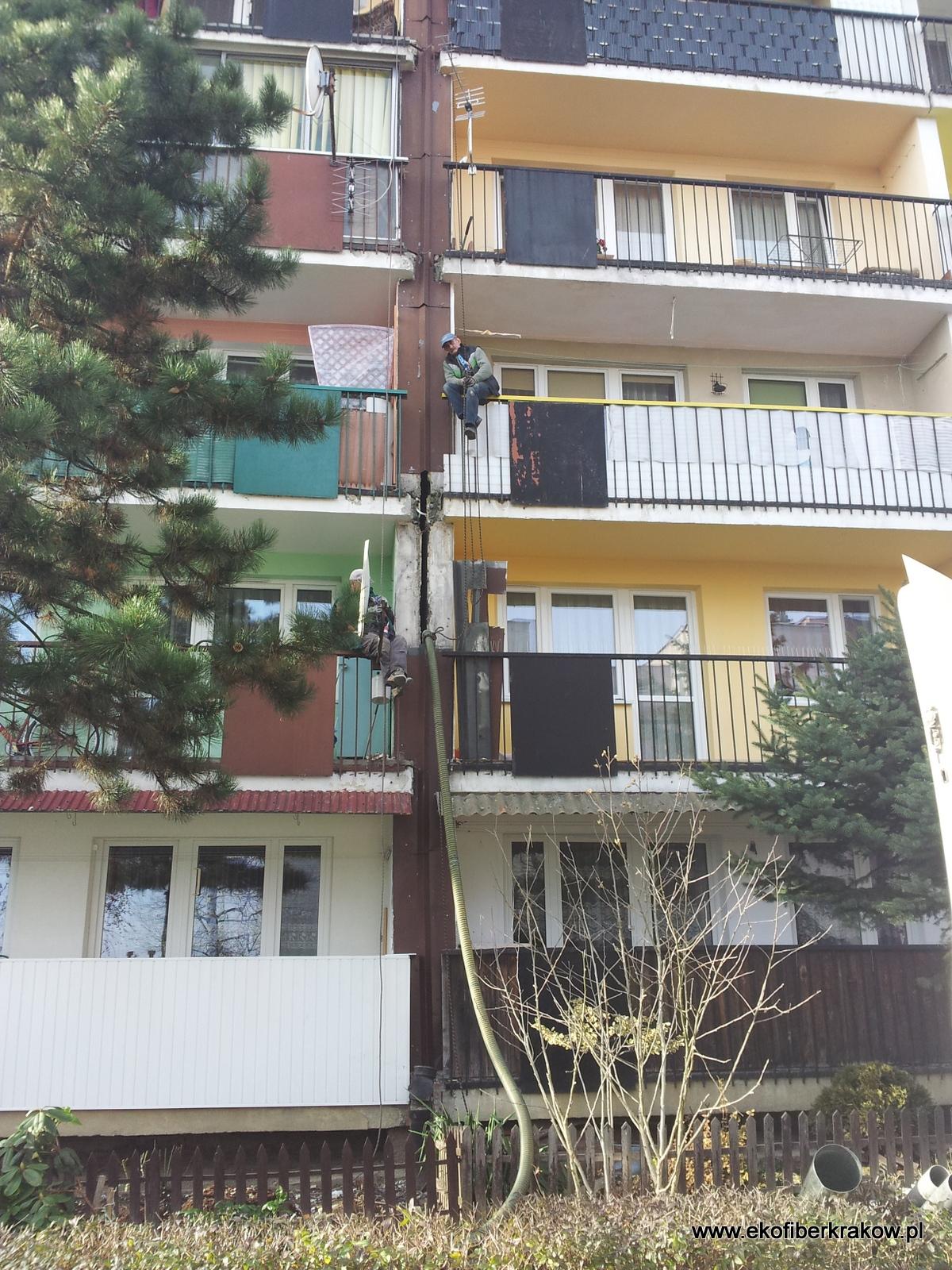 Dylatacja budynku docieplana granulatem Ekofiber